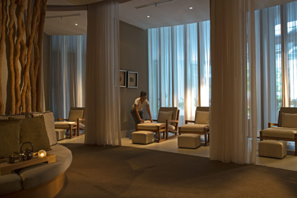 spa_lounge_assisant_6726